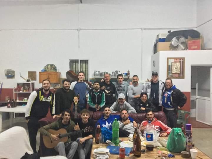 El grupo ('Los Ilegales')